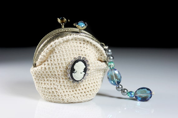 Crochet Coin Purse, Beaded, Kiss Closure, Cream Color, Cameo Embellishment, Metal Goldtone Frame, Coin Pouch, Handmade