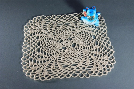 Square Crochet Doily, Ecru (Natural), Pineapple, Small, Crochet Mat, Crochet Lace, Lace Mat, 8 inch