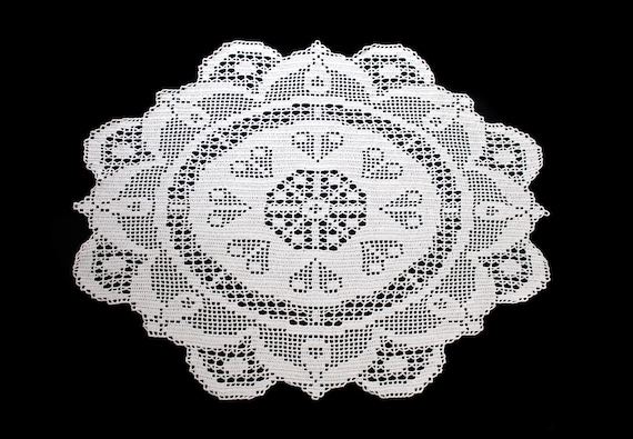 Crochet Heart Doily, Oval, 29-inch, Ecru (Natural), Tablecloth, Crochet Mat, Crochet Lace, Table Decor