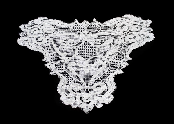 Crochet Doily, Butterfly Shape, 28x39 inch, Ecru (Natural), Tablecloth, Crochet Mat, Crochet Lace, Table Decor
