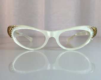 5e0faebbcdd5 VINTAGE NOS New Old Stock 1950 s Frame France Sparkly Jeweled Pearly White Cat  Eye Glasses Frames w  Gold Accents