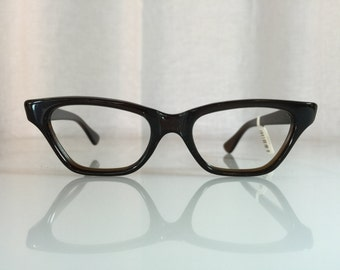 0f72ee55df0 VINTAGE 1950s New Old Stock Frame France Paris Classic Rectangular Cat Eye  Dark Brown Glasses Frames