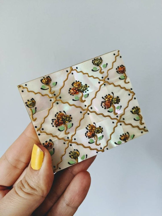 Vintage Mother of Pearl Compact, Mother of Pearl C