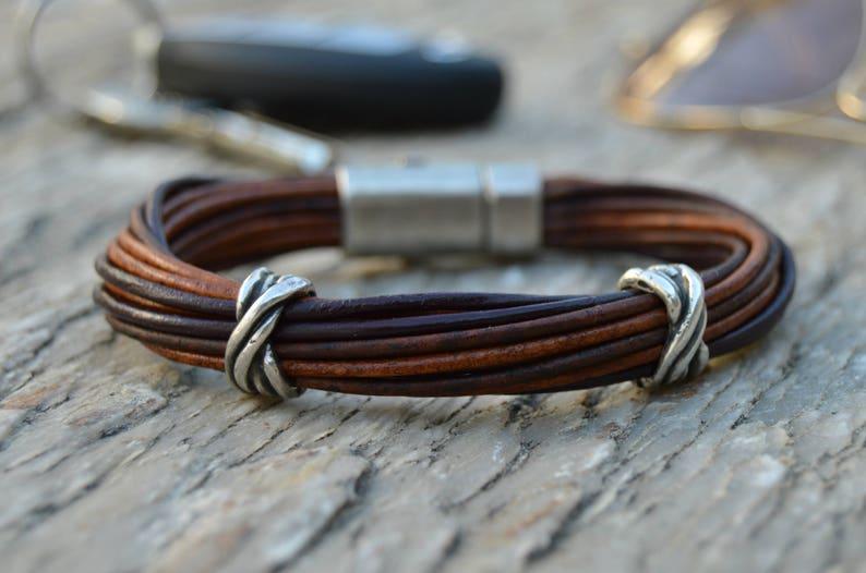 e4bb1addfc32 Joyeria viking para hombres joyas urbanas pulsera de cuero