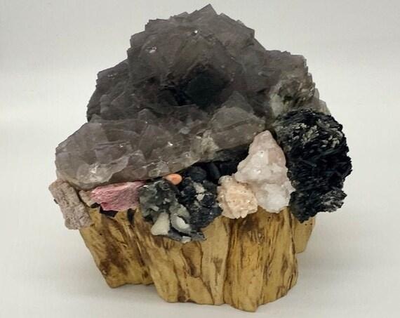 Palo Santo, Fluorite, Apophyllite, Tourmaline, Stilbite, Agate, Quartz, Rhodonite, Heulandite, Rhodochrosite, Shamanic Healing Altar Piece