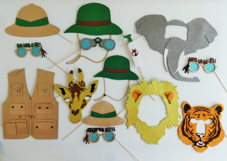Safari Photo Booth Props Amazon Wilderness Lion Tigers Giraffe Monkeys Glasses The Hut Is Over Animal Mask