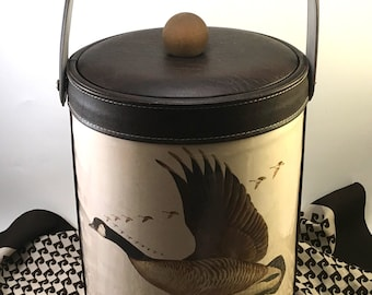 Retro large ice bucket vinyl Canada Goose formation W.D. Gaither for Georges Briard 1973 dark wood grain vinyl with natural wood knobbed lid