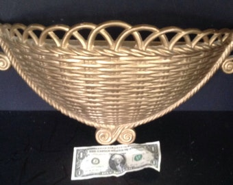 "Dart Ind. (Syroco) large planter wall hanging wicker rattan basket look vintage 1973 20"" wide"