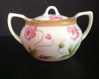 Nippon sugar bowl with lid and roses design