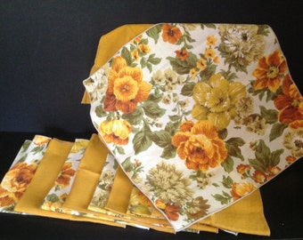 set of 10 vintage linen napkins 5 floral 5 solid