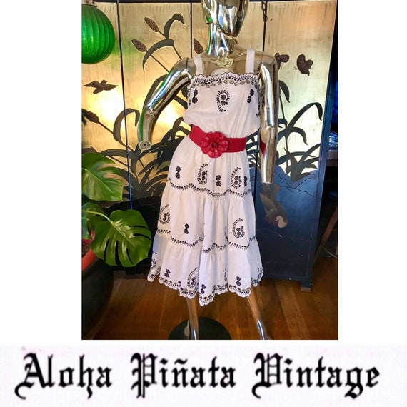 Vintage embroidered Dress - image 1