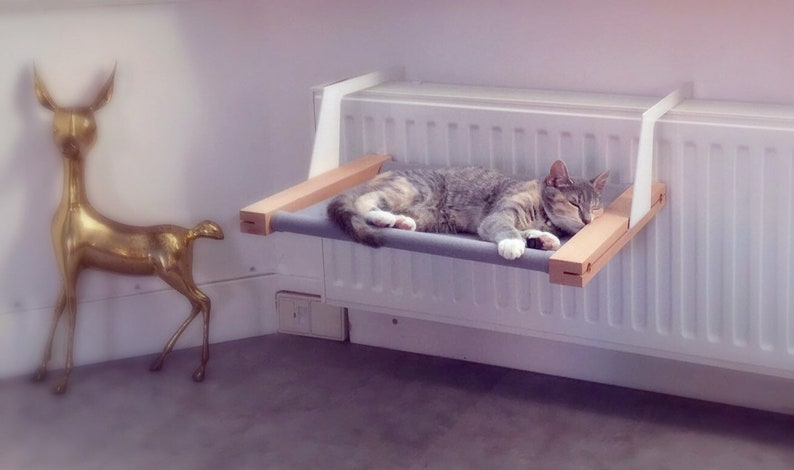 WOOZY  Cat radiator hammock / Cat bed image 0