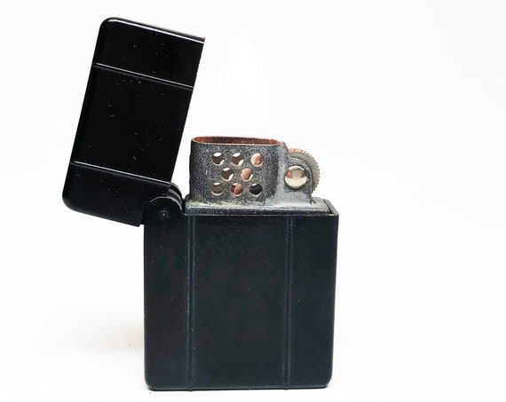 1940s Black Bakelite Flip Top  Lighter