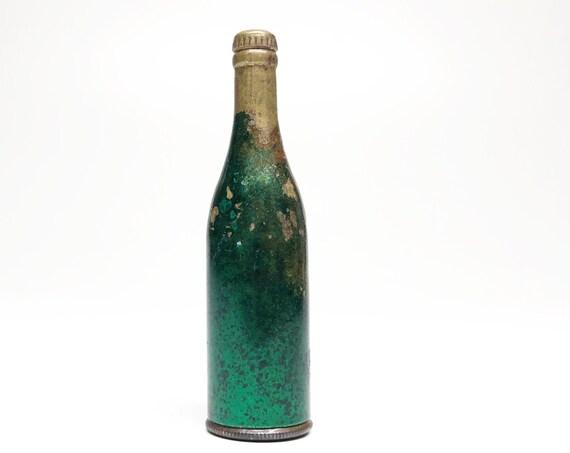 Working Bottle Shaped Lighter - Vintage Rare Unmarked 1930s Beer Figural Green Lighter