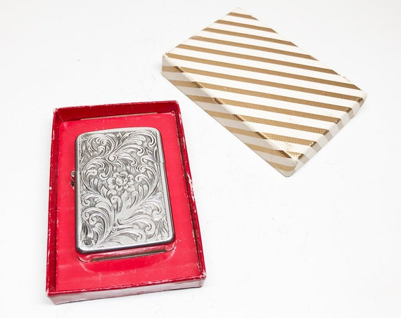 1950s Floral Themed Park Lighter with Original Box