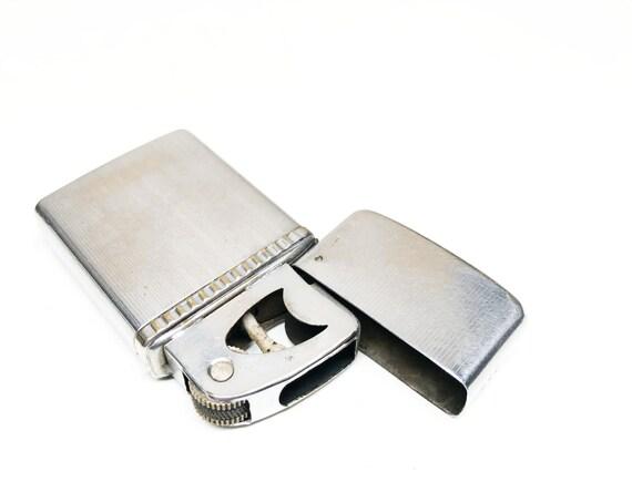 1950s Penguin Pipe Mate Lighter