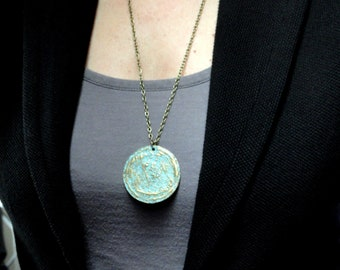 Long bronze disc necklace, Bronze circle pendant necklace, Round flower disc patine bronze necklace, Long necklace, Bronze necklace