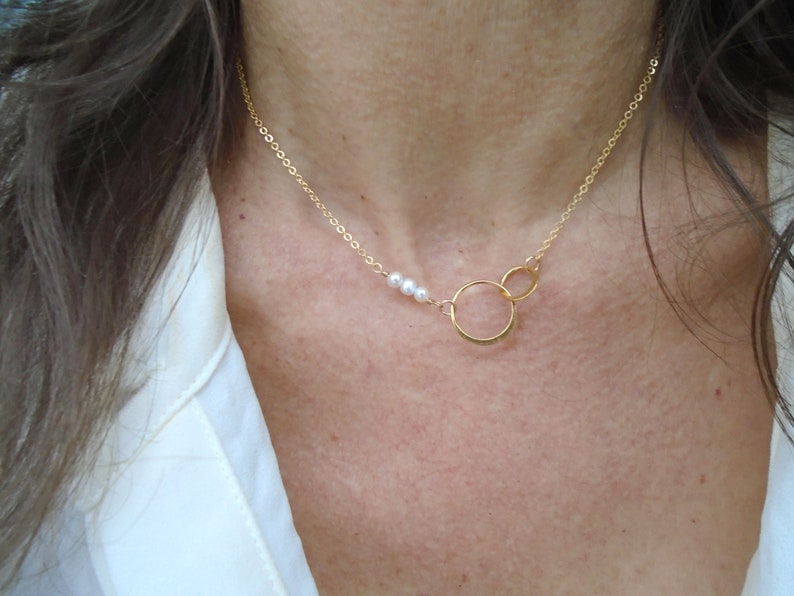 June birthstone necklace Freshwater pearl necklace Bridal necklace Bridesmaid gift Gold Eternity circle pearl necklace
