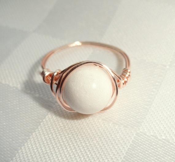 Weißen Stein-Ring weiße jade rose gold Draht umwickelt Ring | Etsy
