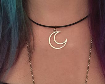Crescent Moon Necklace/ Moon Cutout Choker/ Celestial Necklace/ Moon Pendant Necklace/ Open Crescent Moon/ Lunar Charm/ Moon Signs