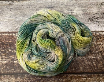 Donegal>> Fingering 100g 438 yd | Variegated Yarn in Yellow Green | Superwash Merino Wool  Nylon | Earth Day Collection - Weeping Willow