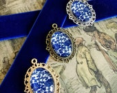 Blue and White Chinoiserie Pendant Necklace, Vintage Inspired Gold, Bronze and Silver finish with 25mm Oval Cameo Cabachons
