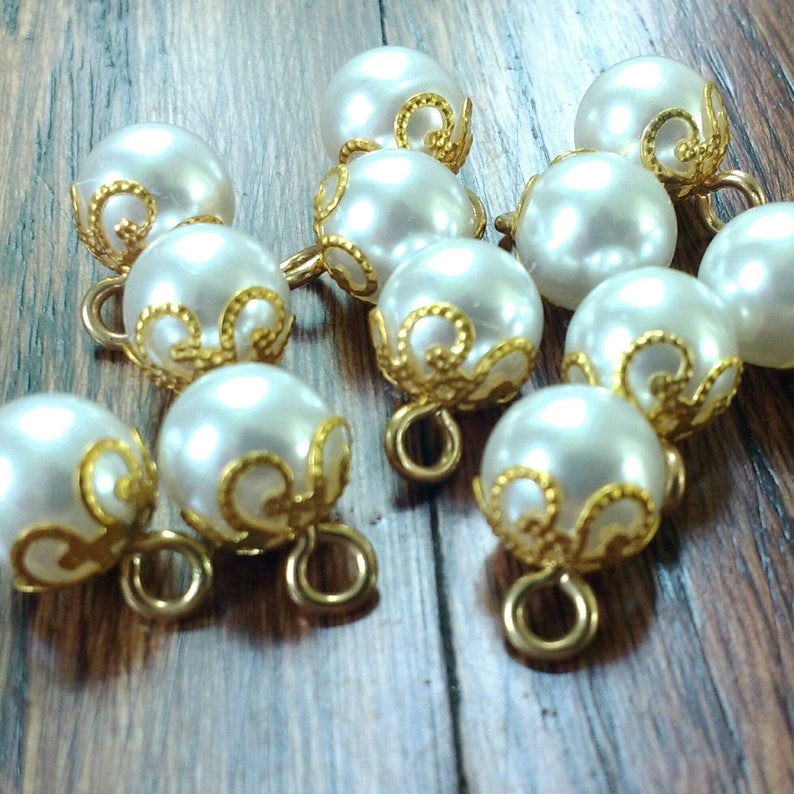 Vintage Pearl Buttons Pearl Shank Buttons in Gold Metal Alloy image 0