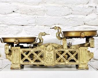 "Antique ""FLORENZ"" Market Scale With  Pans / Vintage Cast Iron Scale / Kitchen Scale / Grocery Scale"