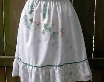 Girls Skirt Size 10, Upcycled Pillowcase Skirt, Girls Skirt, Pillowcase Refashion, School Skirt, Girls Floral Skirt