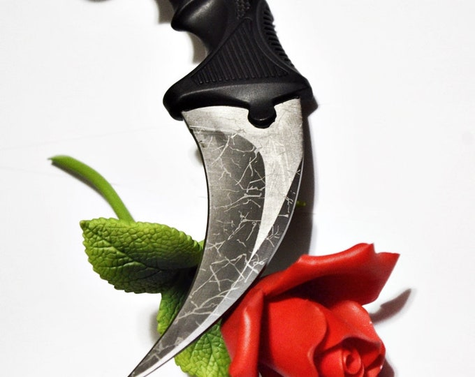 Curved Karambit - sexy edge play toy for BDSM players - sharp and kinky sex toy
