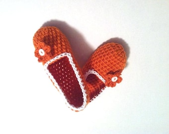 Simply Crochet Slippers, Indoor Slippers, Women House Shoes by Vikni Designs