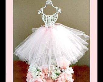07f1bc25712f Bridal centerpiece