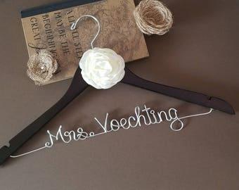 Custom Wedding Hanger | Bridesmaid gift | Bridal Hanger | Bridal Shower Gift | Bridal Party | Maid of Honor | Graduation Gift |