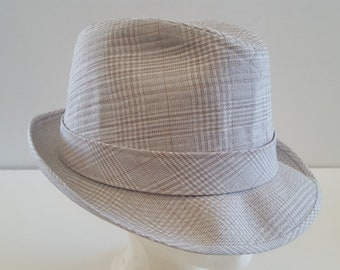 48a08f08 Vintage 1960's Dobbs Fifth Avenue linen fedora, nice clean beige size 7 1/2  to 7 5/8, all tags present