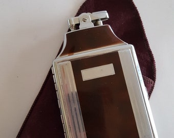 """Vintage Art Deco design Ronson Mastercase lighter and cigarette case, bonus 6  """"stage"""" Old Gold inside. pouch but no box, used but untested"""