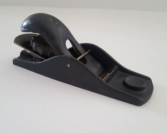 """Vintage 1950's to 60's small wood block plane, unmarked except """"Made in USA 1 1/4"""" shave"""