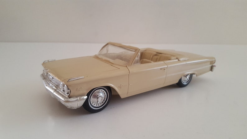 Vintage 1963 promotional model 1963 Ford Galaxie 500 XL convertible beige on beige