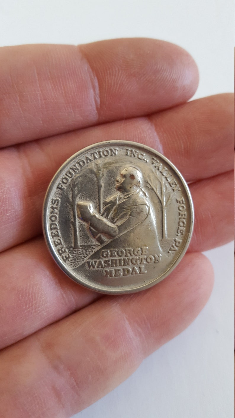 PA Vintage 1952 Boy Scouts of America George Washington Medal Freedoms Foundation Get out the Vote Valley Forge