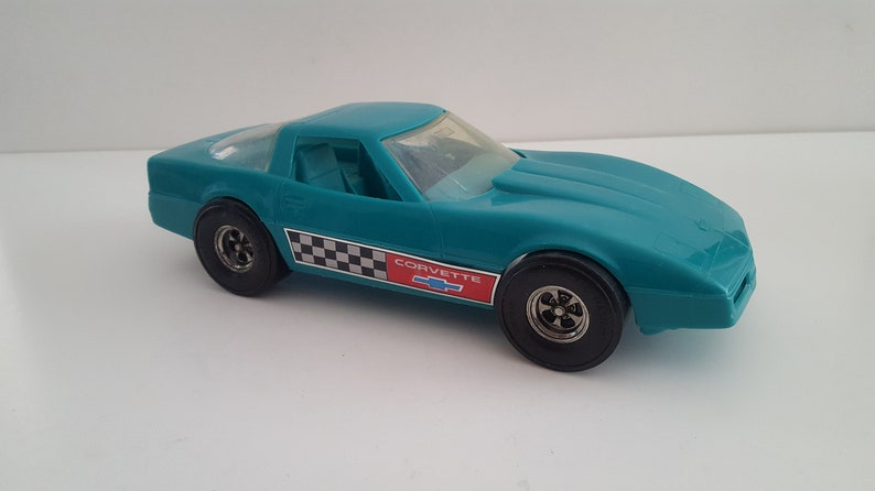 Made in USA Vintage 1980/'s StrombeckerTootsietoys Chevrolet Corvette Turquoise with stickers