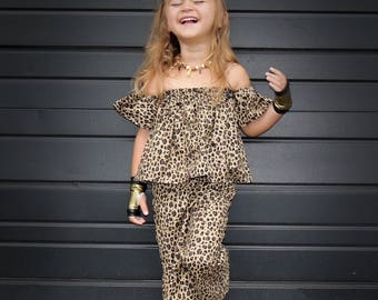 4c99951a451284 Girls Drop Shoulder Cheetah Set Girls Cheetah Baby Girls Clothes Girls Bell  Bottoms Infant Girl Clothes Girls cheetah pant Set Girls Crops
