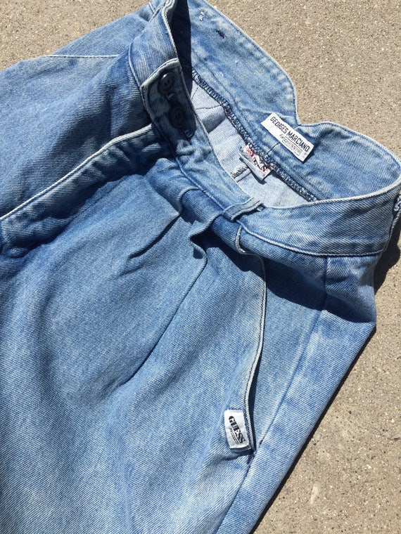 90s Guess Jeans: Baggy Cuffed Up Lightwash Jeans/… - image 5