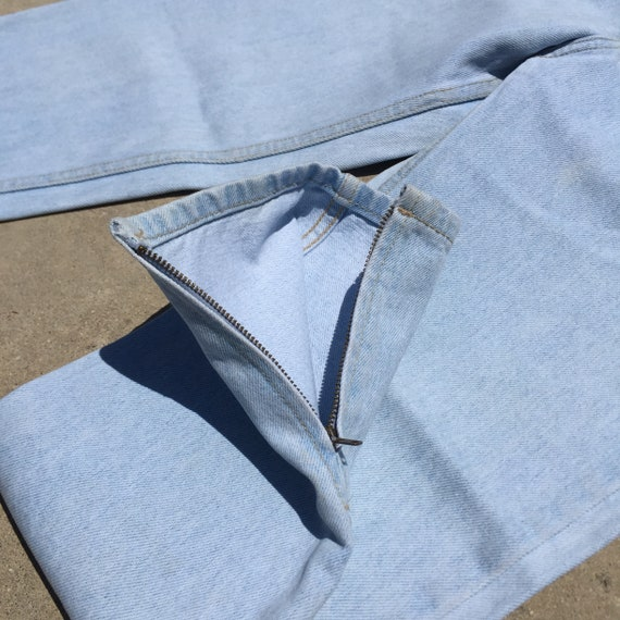 Vintage Guess Jeans // light wash jeans//high wai… - image 8