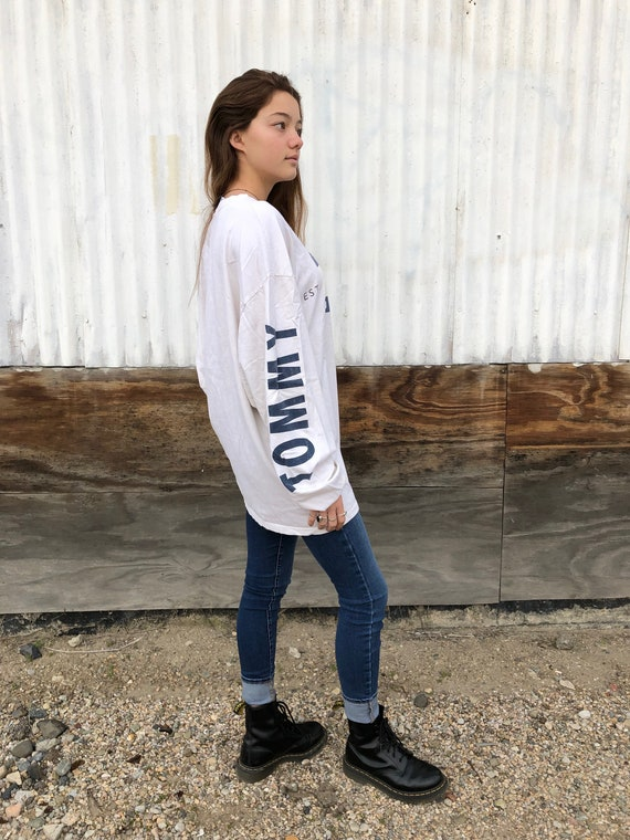 90s Tommy Hilfiger Long Sleeve // tommy spellout/… - image 2