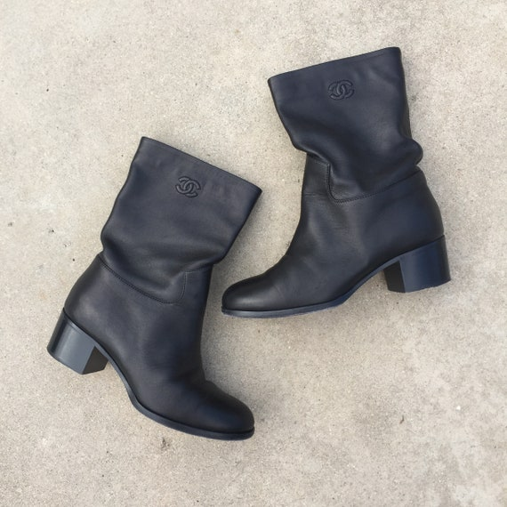 Vintage Chanel Boots // chanel leather boots//blac