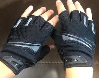 Last Ones! Sylvie gloves size women's medium