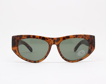 e8034fd4d3e Farrows NOS by Linda Farrow original 80s tortoise frame oversized cateye  sunglasses. BNWT. Vintage designer eyewear