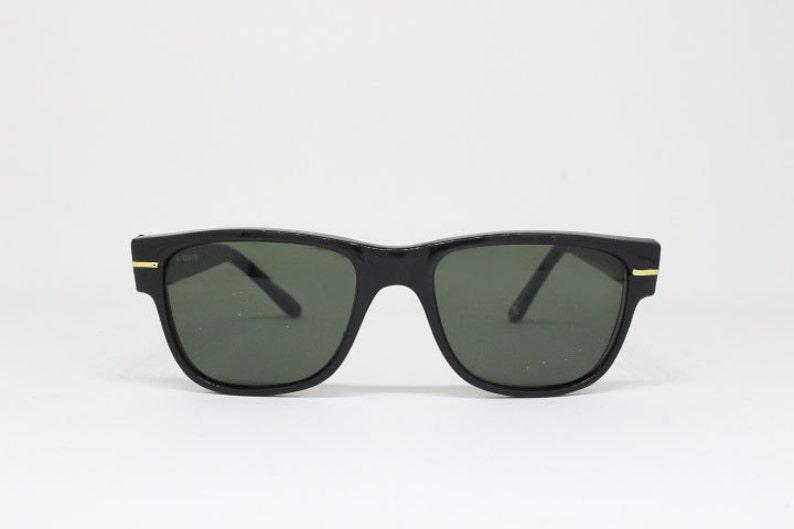 e2f8f3022f43 Black horn rimmed sunglasses wayfarer style 60s frame