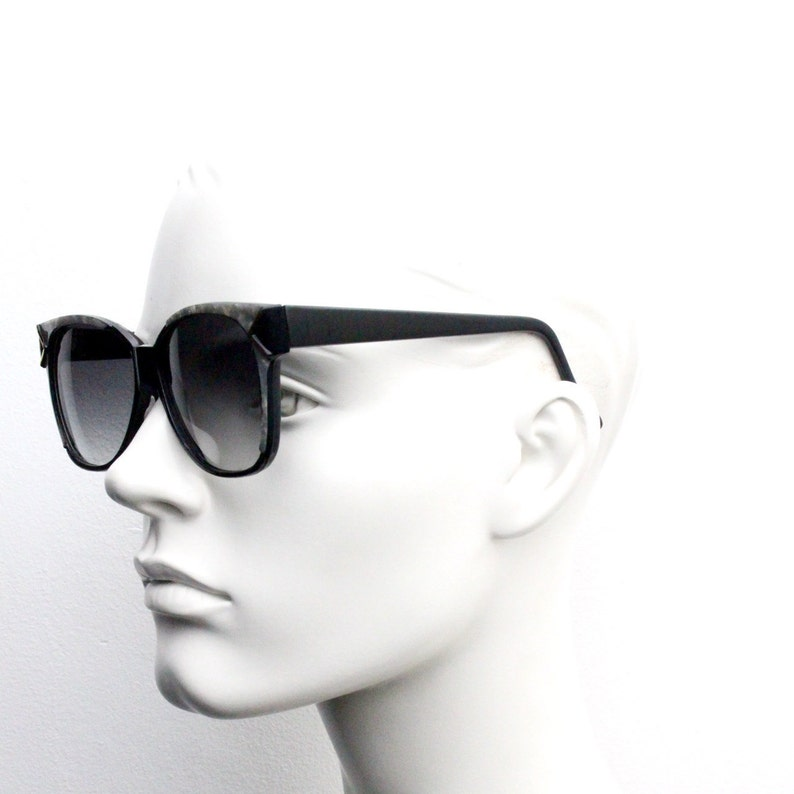 80s vintage flat top cat eye sunglasses Nos 70s Get pearlised marble brow on a black sharp angled frame with smoky graduating lenses