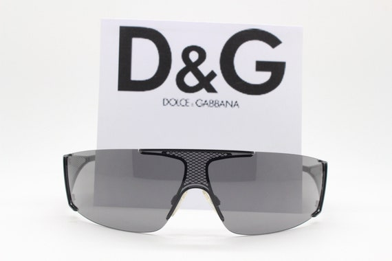 Dolce and Gabbana Y2K vintage sunglasses. Black fr