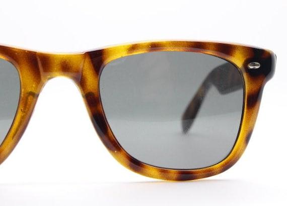 90s vintage wayfarer style sunglasses. All time cl